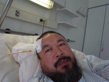ai-weiwei-im-krankenhaus_2-nadine-stenke_klein